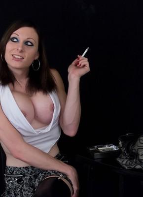 Eva Cassini Shemale Smoking