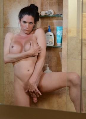 Penny Tyler shemale shower