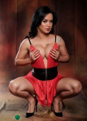 Bianka Nascimento sexy shemale slut