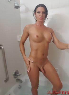 Lina Cavalli Shower Scene