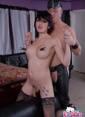 Eva Lin Kinky